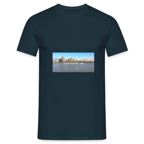 10734193 1015334399086055 - Men's T-Shirt