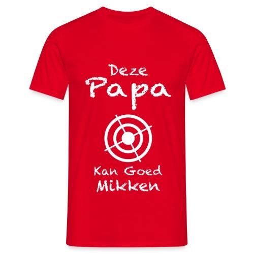 Deze papa kan goed mikken t-shirt - Mannen T-shirt
