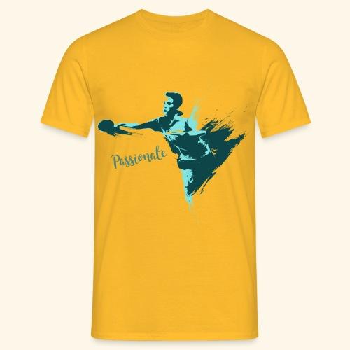 Passionate on winning table tennis champ - Männer T-Shirt