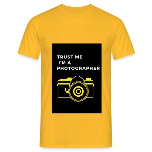 I'M A PHOTOGRAPHER - Männer T-Shirt