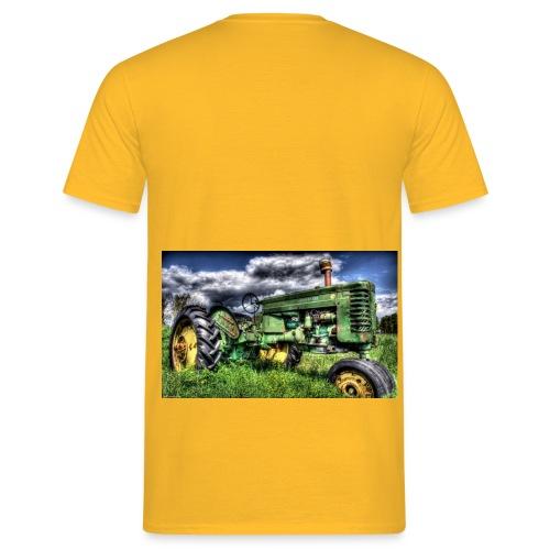 Rusty Traktor 1 jpg - Männer T-Shirt