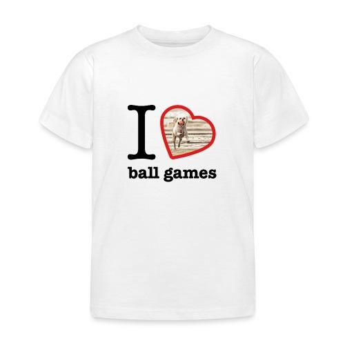 I love ball games Dog playing ball retrieving ball - Kids' T-Shirt