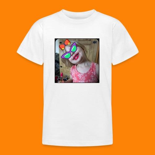 D842500A 450D 48B1 A3E4 1F69D11015A3 - Teenage T-shirt