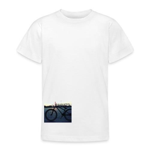 Motyw 2 - Koszulka młodzieżowa