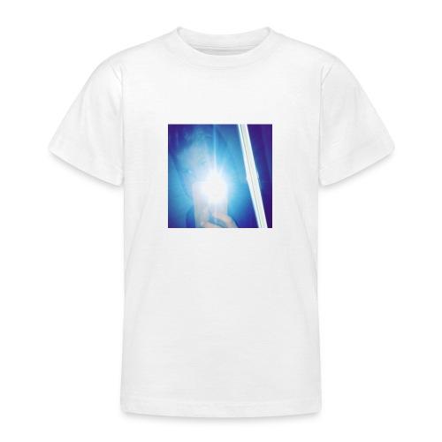38345F07 AC54 4F34 AA1B BE7E102696E1 - T-shirt tonåring