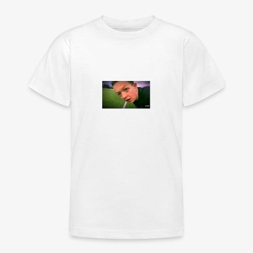 AC0EBEC5 F009 410A B9DC B12ED98FDF82 - T-skjorte for tenåringer