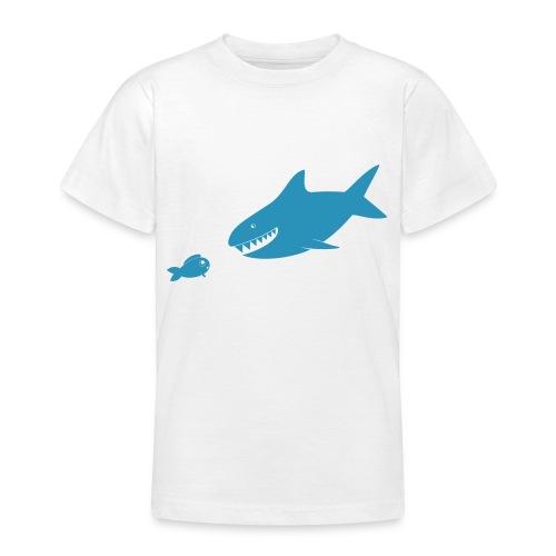 Kleiner Fisch + Hai / dunkler Hintergrund - Teenager T-Shirt