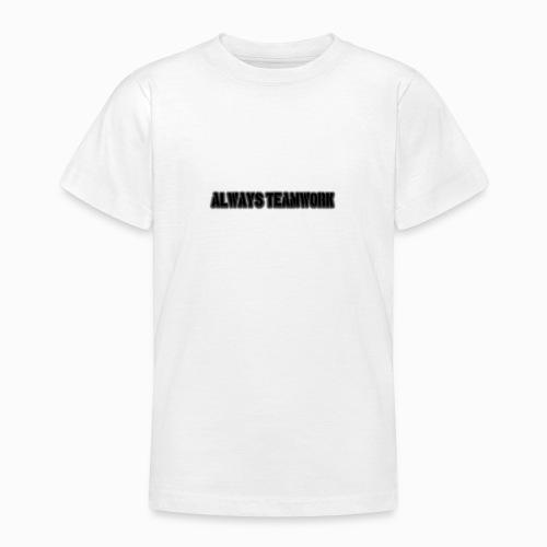 at team - Teenager T-shirt