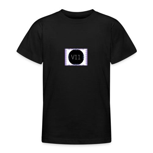 V11's first clothes - T-shirt tonåring