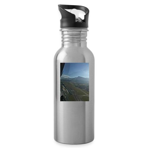Start in Salzburger Flughafen - Trinkflasche