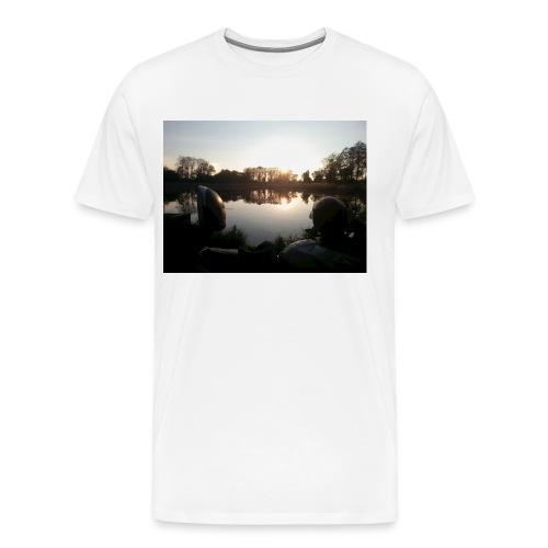 Motorbike at lake - Männer Premium T-Shirt