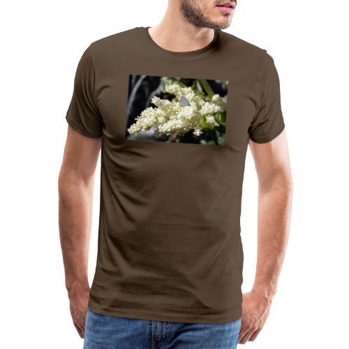 Perhonen raparperin kukalla - Miesten premium t-paita