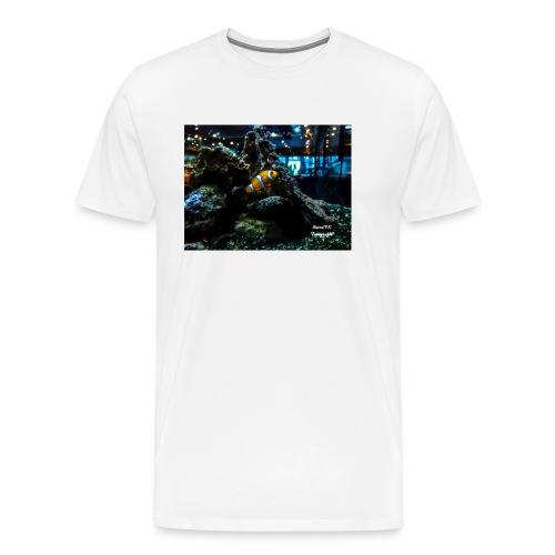 Clown Fisch in einem Aqarium mit Korallen - Männer Premium T-Shirt