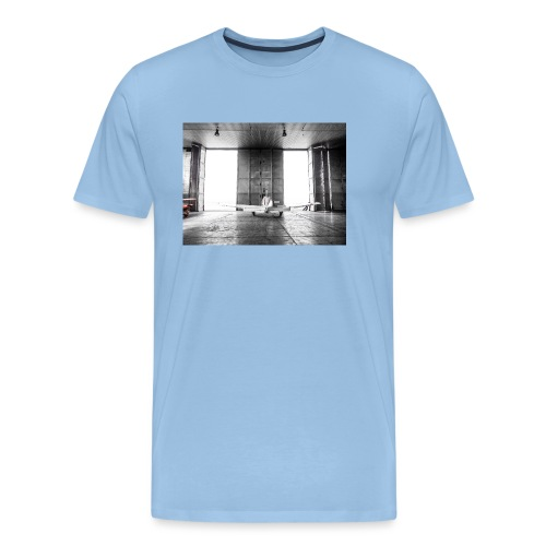 Beech in the hangar - Men's Premium T-Shirt