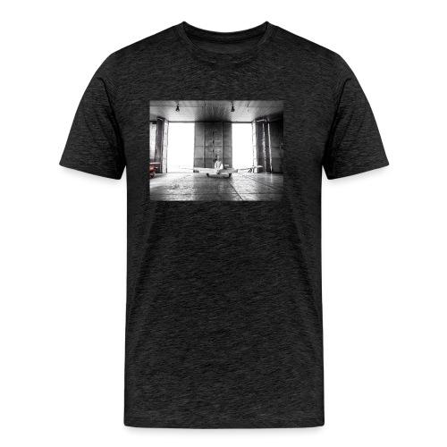 Beech in the hangar - Men's Premium T-Shirt