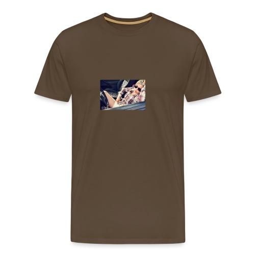 Cool woman in car - Men's Premium T-Shirt
