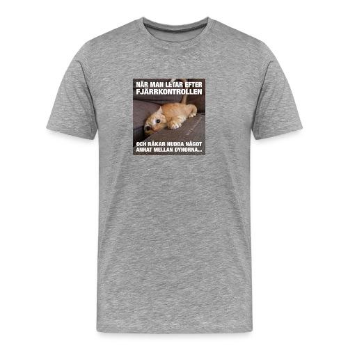 letar efter fjarrkontrollen - Premium-T-shirt herr