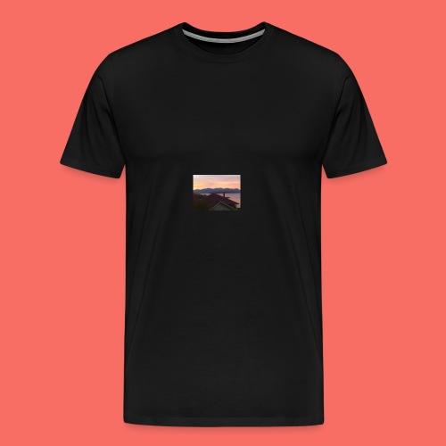 SOLEN GÅR NER BAKOM BERGEN I HARSTAD - Premium-T-shirt herr