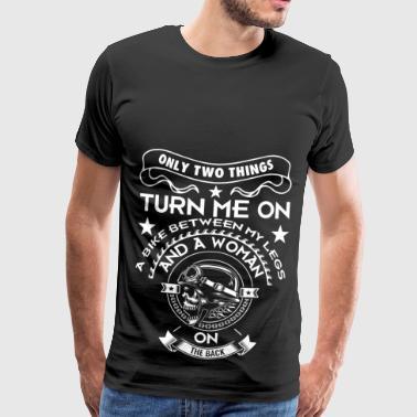 Cykel bikers motorcyklister kører mopped solnedgang - Herre premium T-shirt