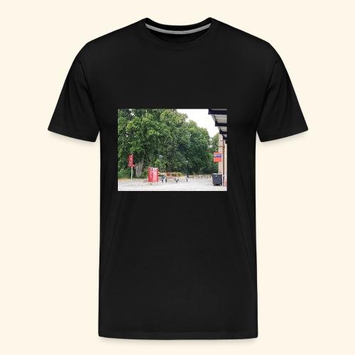 Bahnhofs-Vorplatz-Aufnahme - Männer Premium T-Shirt