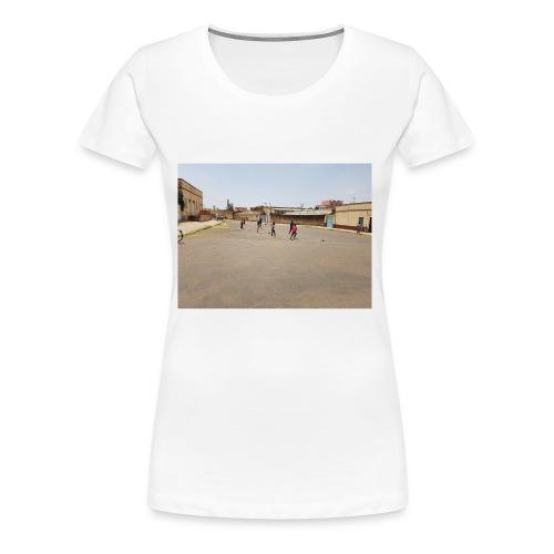 En pojke gör ett mål - Premium-T-shirt dam