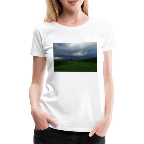 bedrohlicher Himmel bei GEWITTER - Frauen Premium T-Shirt
