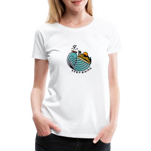 Surfer im Sonnenuntergang - Frauen Premium T-Shirt