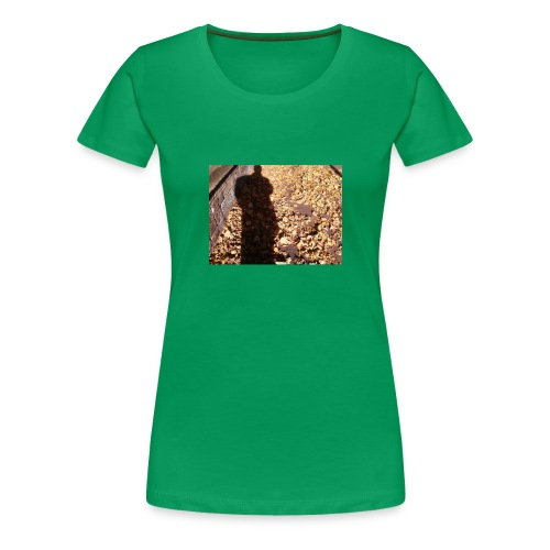 THE GREEN MAN IS MADE OF AUTUMN LEAVES - Women's Premium T-Shirt