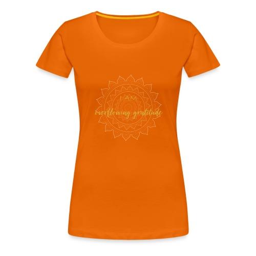 I am overflowing gratitude gold white mandala - Frauen Premium T-Shirt