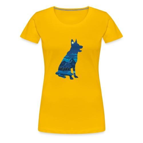 Hund bei Nacht in den Bergen - Frauen Premium T-Shirt