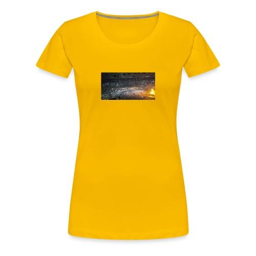 BIEBER - Frauen Premium T-Shirt