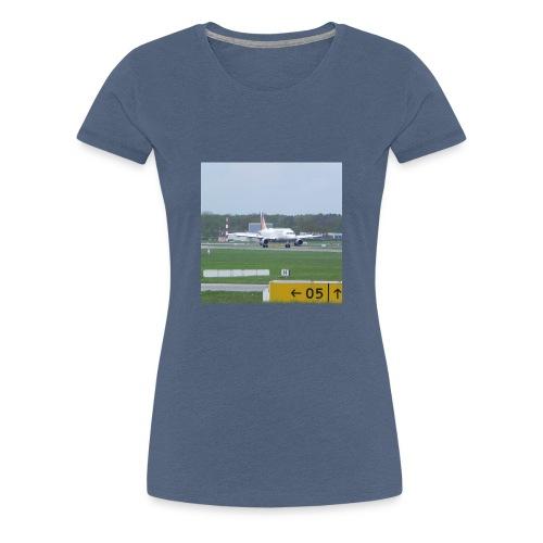 Germanwings A319 after landing - Frauen Premium T-Shirt