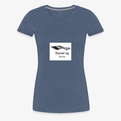 DanielogNicolai - Premium T-skjorte for kvinner