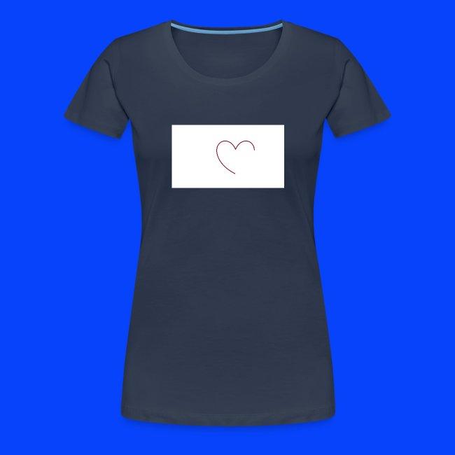 t-shirt bianca con cuore