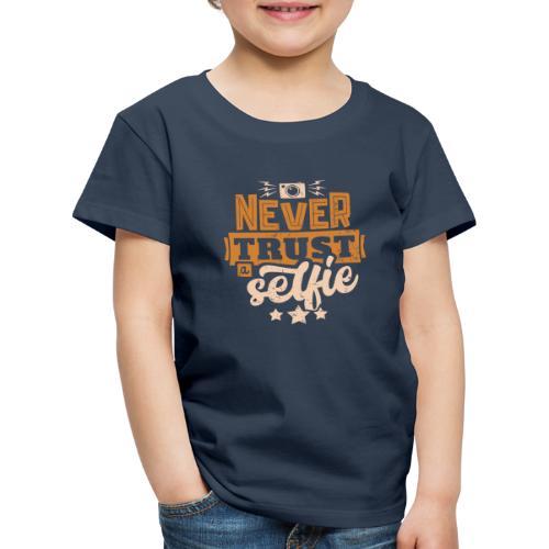 Never trust - Premium-T-shirt barn