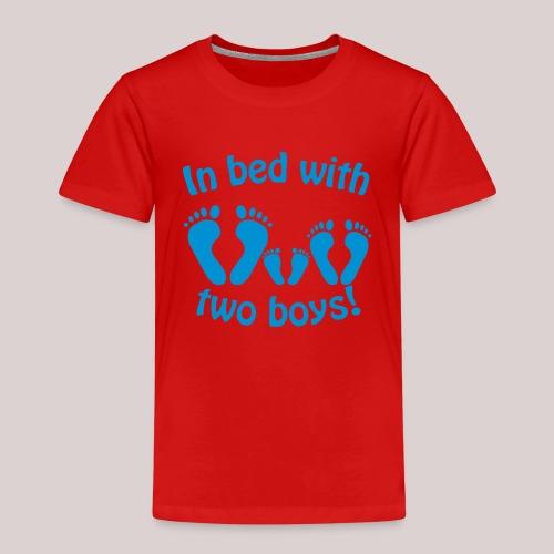 In bed with two boys - Im Bett mit zwei Jungs - Kinder Premium T-Shirt