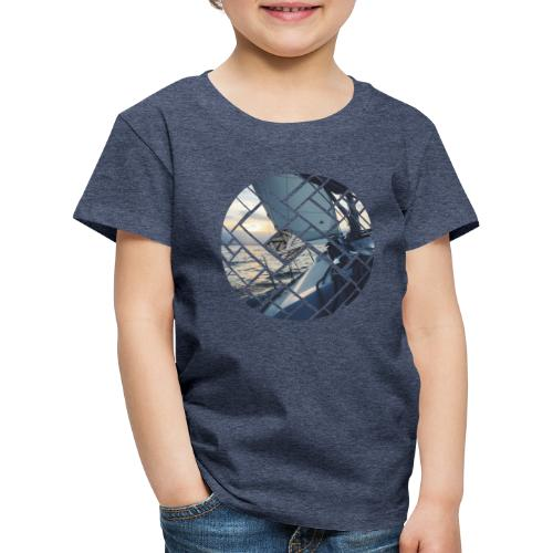 Ocean Sailing Graphic Design - Kinder Premium T-Shirt