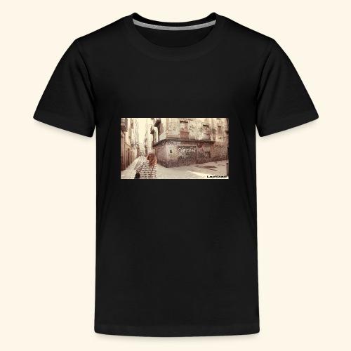 Walking the street - Premium-T-shirt tonåring