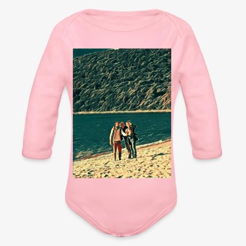 Tre amici sulla spiaggia si fotografano - Body ecologico per neonato a manica lunga