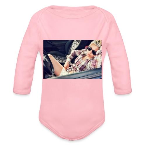 Cool woman in car - Organic Longsleeve Baby Bodysuit
