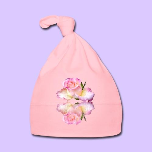 pinke Rose mit Regentropfen im Spiegel, rosa Rosen - Baby Mütze