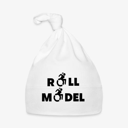 Dame in rolstoel is ook een roll model - Muts voor baby's