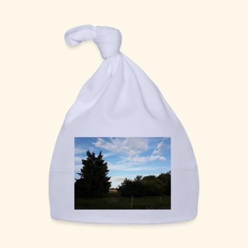 Feld mit schönem Sommerhimmel - Baby Mütze
