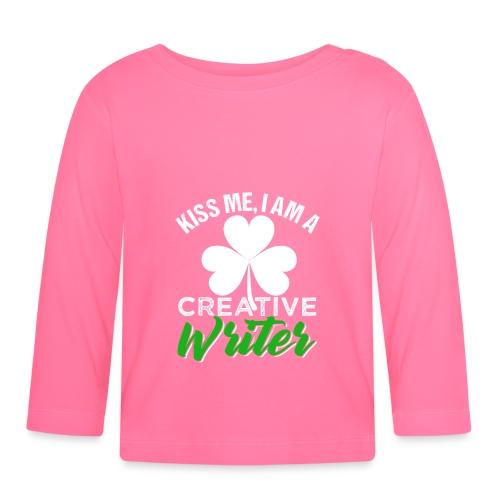 Kiss Me I Am A Creative Writer - Baby Langarmshirt