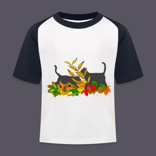 spielende Katzen in bunten Blättern - Kinder Baseball T-Shirt