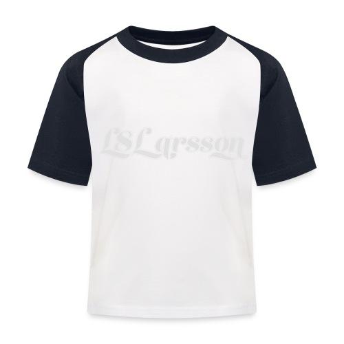 L8Larsson-logo - Baseboll-T-shirt barn