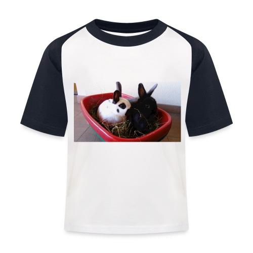 Warme Sachen mit dem Hasenlogo - Kinder Baseball T-Shirt