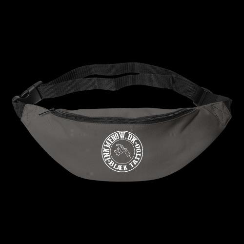 logo hvid png - Bæltetaske