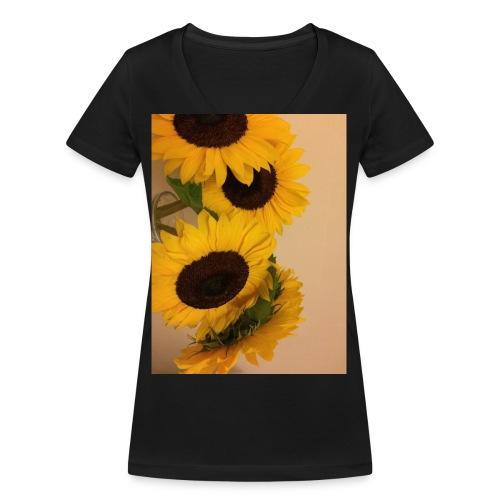 IMG 2842 - Women's Organic V-Neck T-Shirt by Stanley & Stella