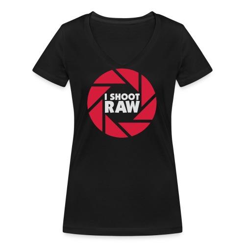 I shoot RAW - weiß - Frauen Bio-T-Shirt mit V-Ausschnitt von Stanley & Stella